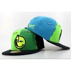 Gorra YUMS De Verde Camuflaje y Marron con Logo Frontal Verde Militar con Correa de Plastico
